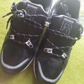 Reebok正品皮質波鞋