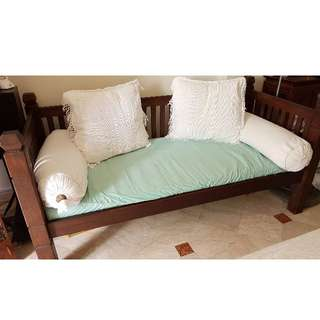 🚚 Balinese style sofa/day-bed