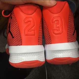 降價重新刊登正品Jordan喬丹球鞋us7