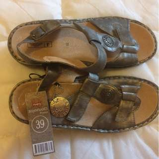 Rivers bnwt, size 8, Pewter orothofit 39, womens Sandles