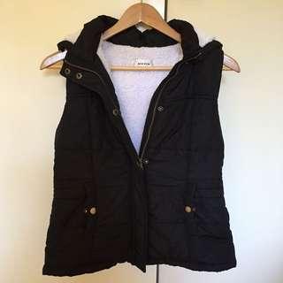 Black Puffer Vest Sz S-M