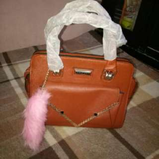 bag branded charles & keith