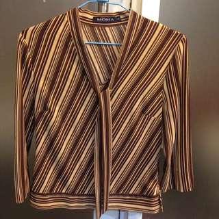 MOMA 條紋V領上衣