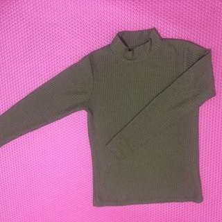 Turtleneck Hijau Armi