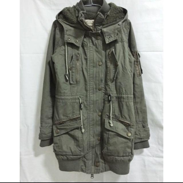刷毛軍綠色 外套