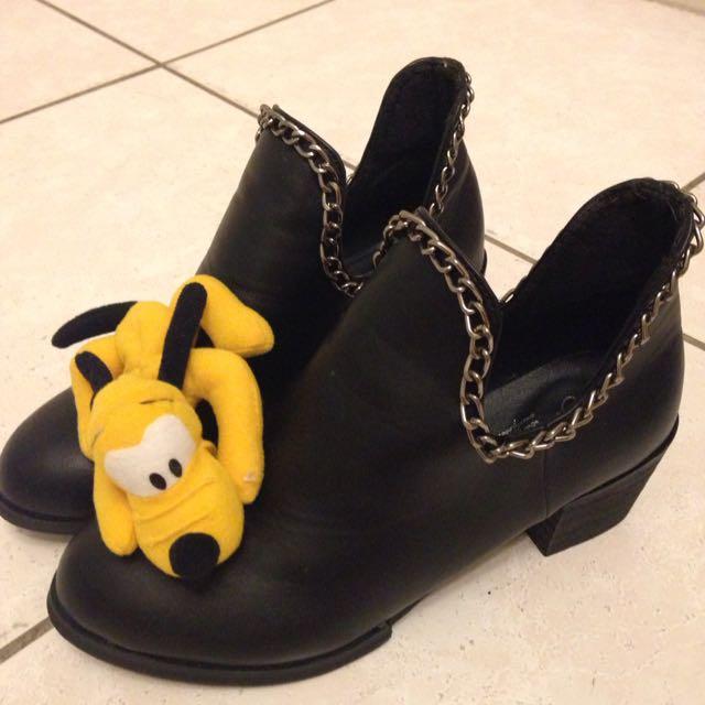 • NEW • 個性黑跟鞋