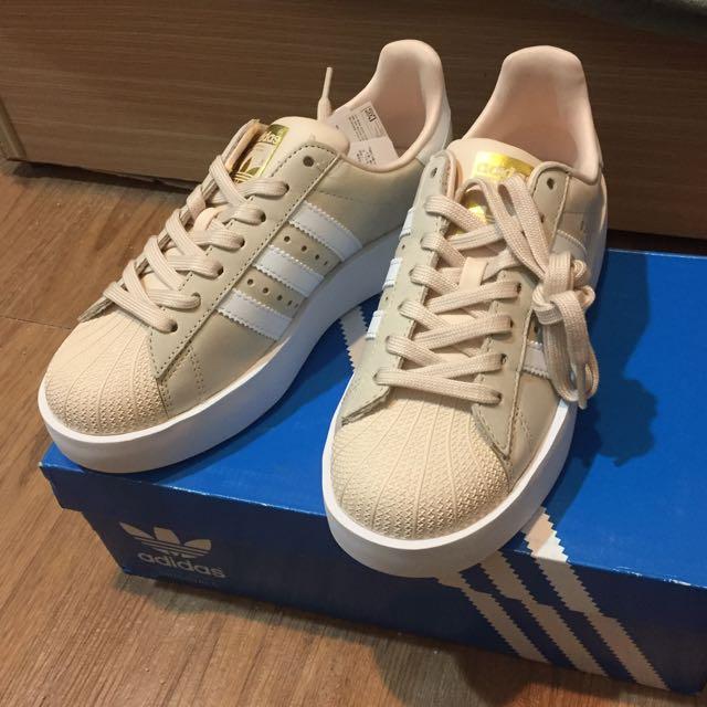 Adidas奶茶厚底鞋