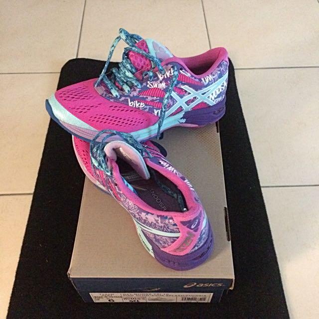 Asics Sport Shoes For Shoes Sell , Sports Vêtements , Vêtements de Sport et des Sports sur Carousell 755ed69 - artisbugil.website