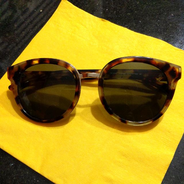 Authentic Women's Tory Burch Sunglasses
