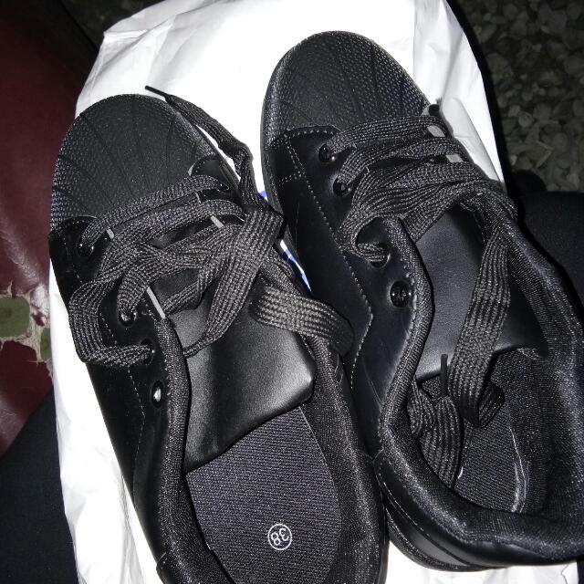 Black Shoes Size 8