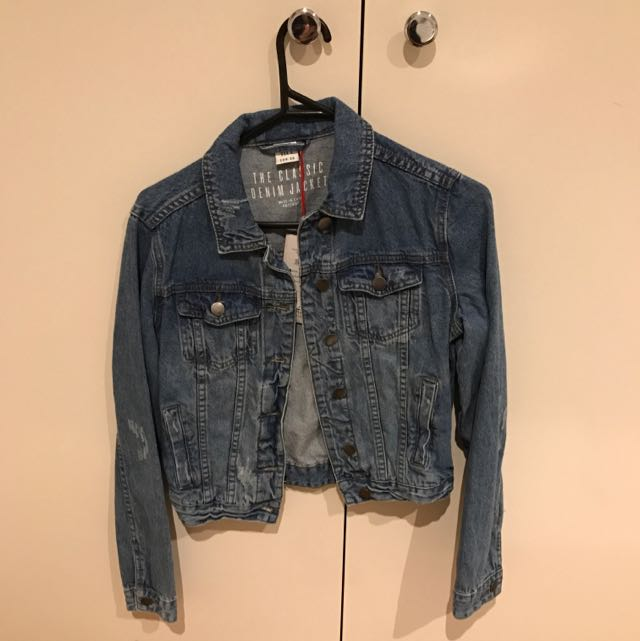 BRAND NEW DENIM JACKET SIZE 8