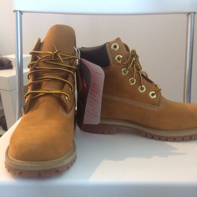 Brand New Timberland Shoes E 37.5