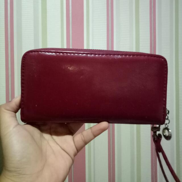 Dompet Merah Maroon