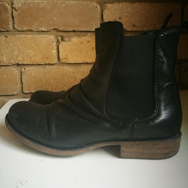 EOS Black Ankle Boots Size 38