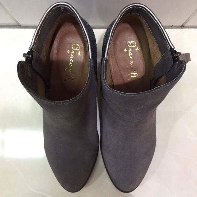 Grace Gife 麂皮亮晶晶短靴 22.5(35)