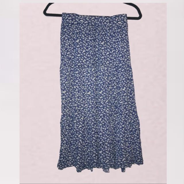 H&M MAXI BLUE SKIRT W FLOWERS