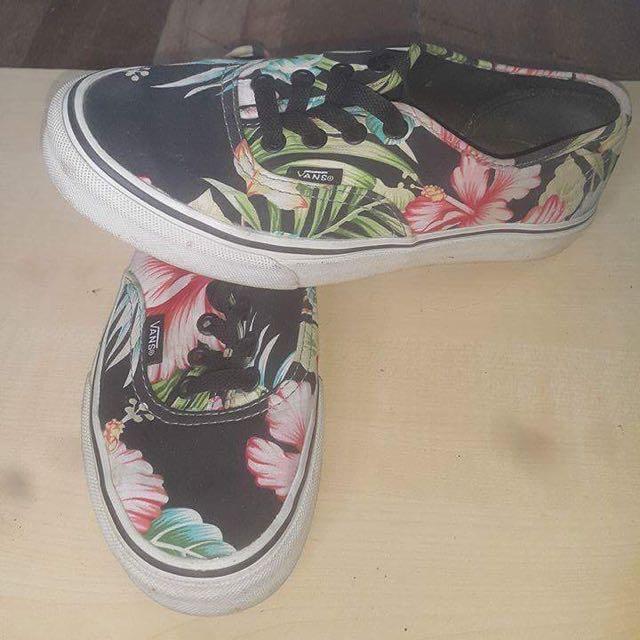 Ladies Vanz shoes