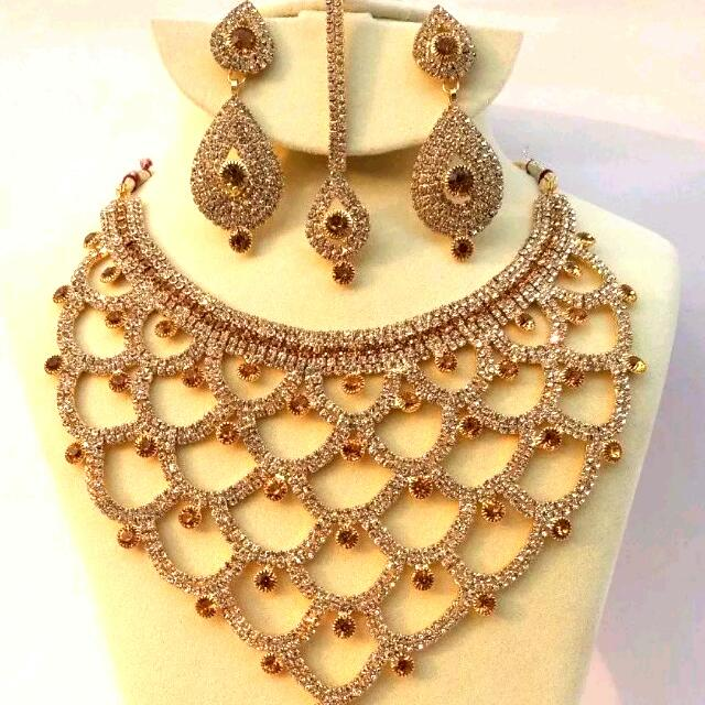 Necklace with Earings set
