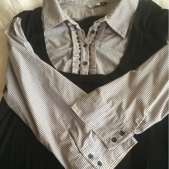 Plus size 20-22 Now black and white pin stripped top