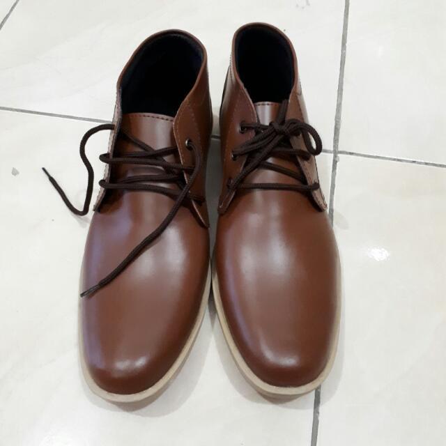 Sepatu Casual Dr.Kevin