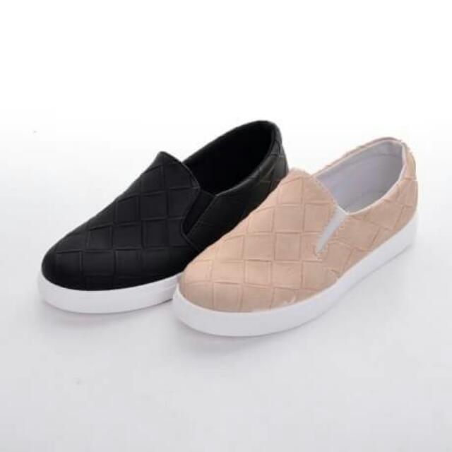 Sepatu fashion casual Q11 Seprem