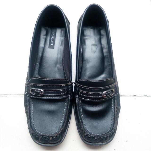 Sepatu Pantofel Black Size 37