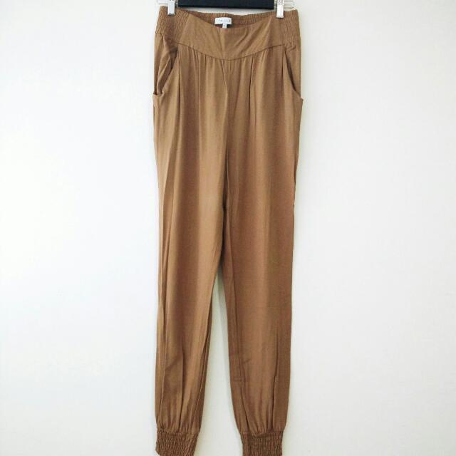 Talula Aritzia Camel Pants Size Medium