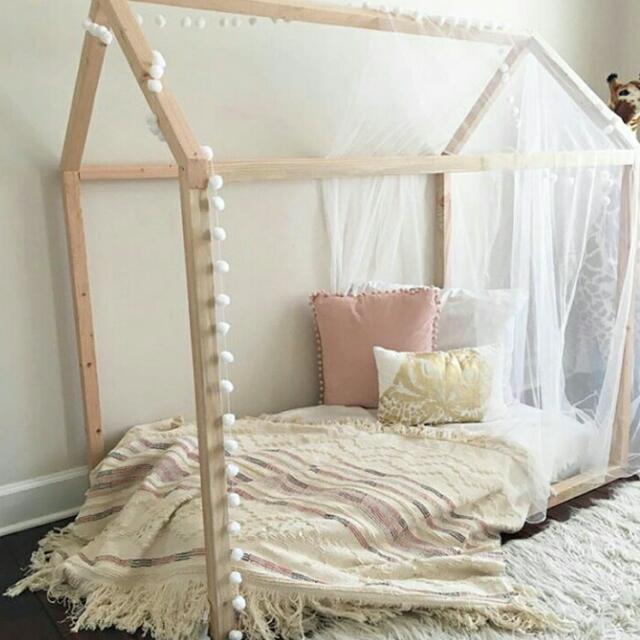 Tempat Tidur Rumah Unik Bisa Custom