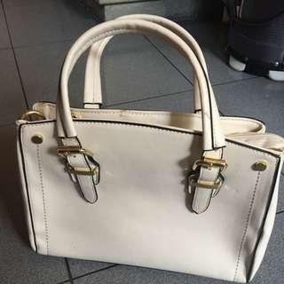 Selling My Preloved Bag ..
