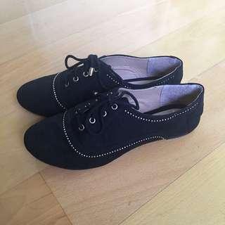 Lace-up Black Oxfords