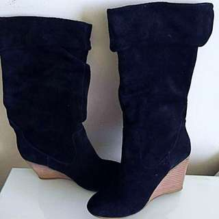 LE CHATEAU SUEDE WEDGE BOOTS