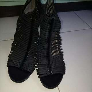 Kenneth Cole Gladiator Sandals