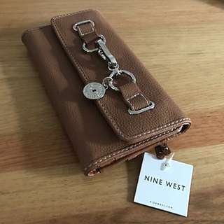 NINE WEST WALLET BUCKLE BLOCK NEW