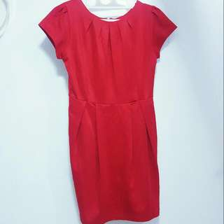 Dress Merah Simple