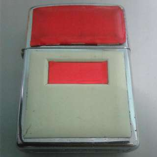 Zippo (Red And White)