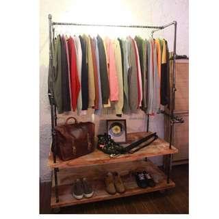 rak display baju/sepatu industrial pipa kayu bisa custom