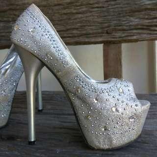 Pump Silver Studed Heels