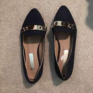 Bilini Fashion Shoes! $2 !!! Size 5!