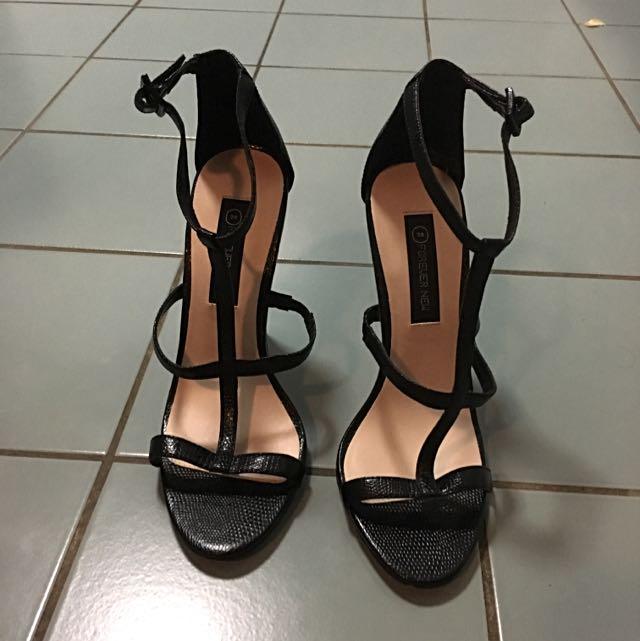 $2!!!! Brand New!  Forever New Heel