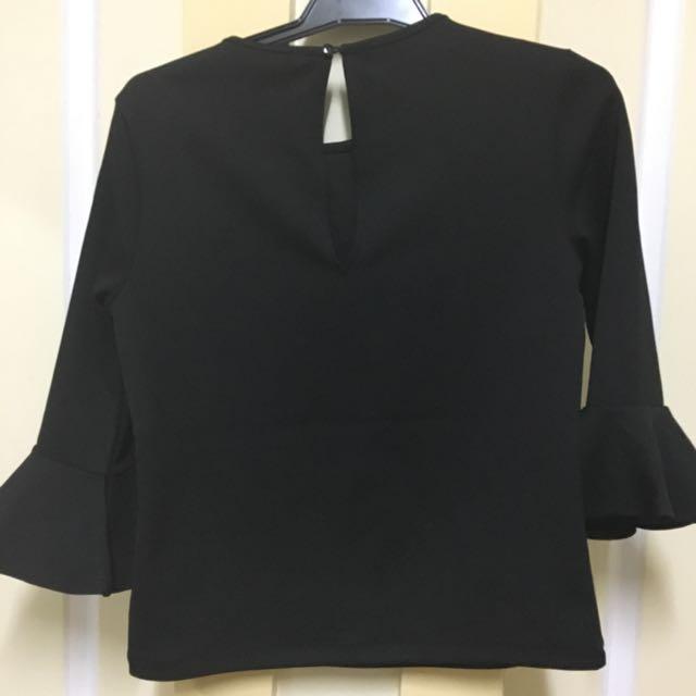 3/4 Bell Sleeve Black Too