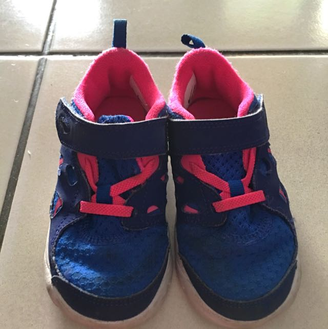 pretty nice ae461 2329a AUTHENTIC! Nike Free Run 2 Toddler, Babies & Kids, Girls ...