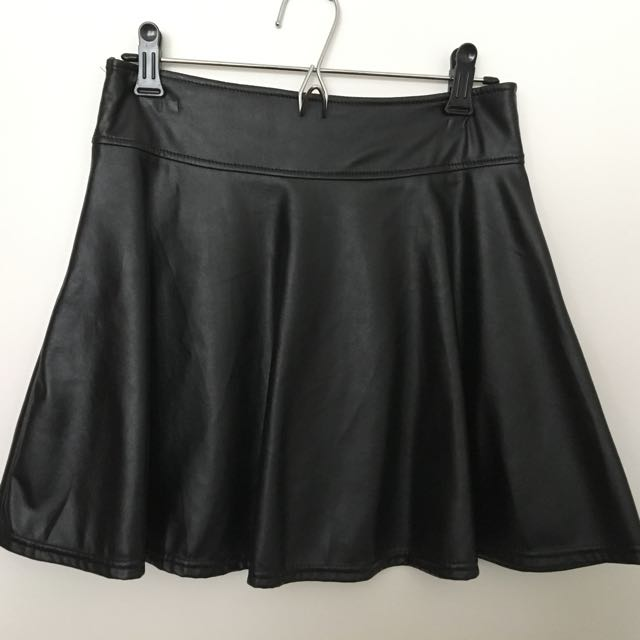 Black Retro Style Leather Skirt With Frilled Bottom