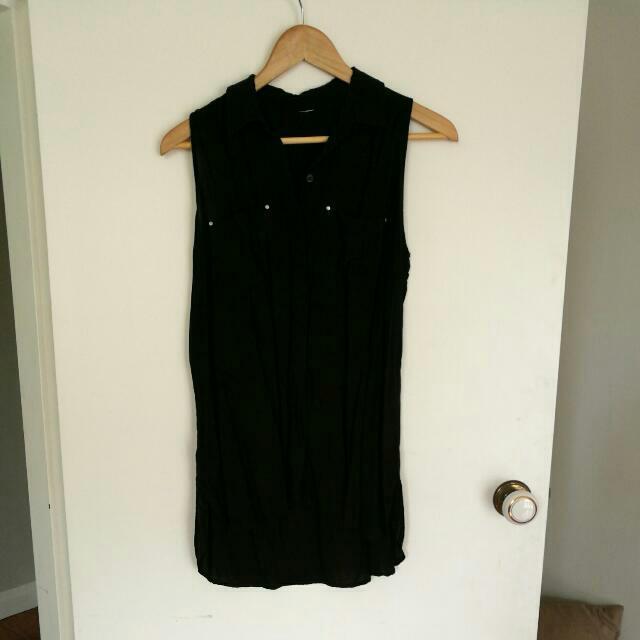 Black Sleveless Blouse Size 12