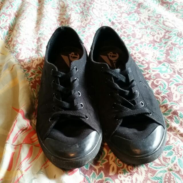 Deuce Black Canvas Shoes