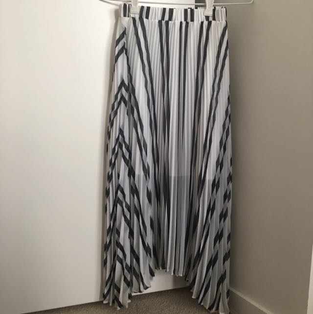Forever New Pleated Long Skirt