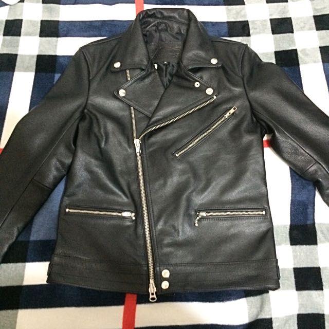 上蠟牛皮騎士外套日本尺碼M號 約男生一般XS~S號 女生基本上應該都能穿 皮衣外套