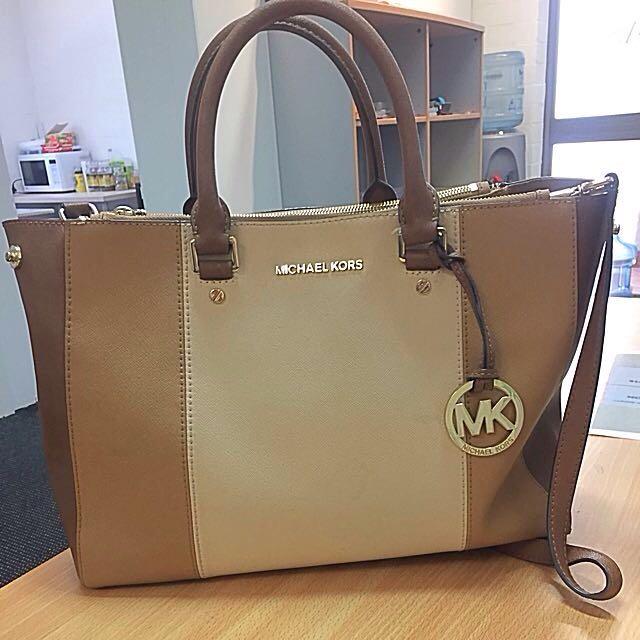Michael Kors Medium Bag