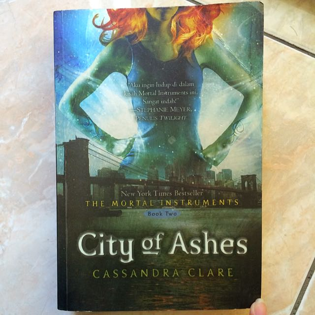 "(Novel) ""City of Ashes"""