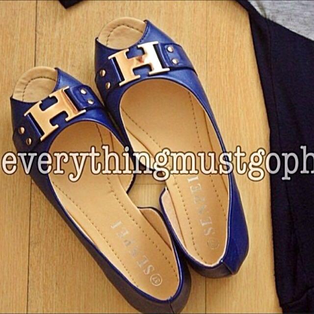 Open-toed Flats