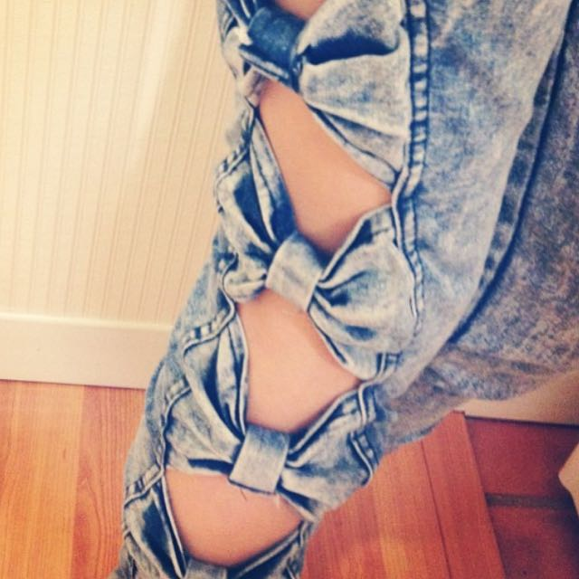 Pants With Bows